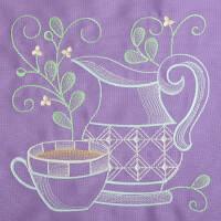 Matriz de bordado cafe na mesa 8